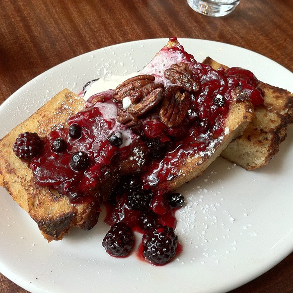 Baked French Toast With Peach, Berry, And Pecans @ Tilikum Place Cafe