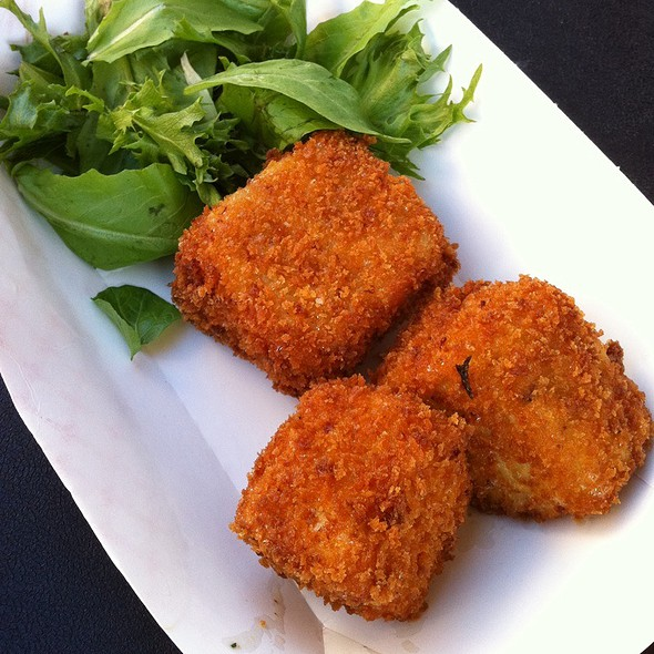 Deep Fried Mac and Cheese @ Eat Curbside