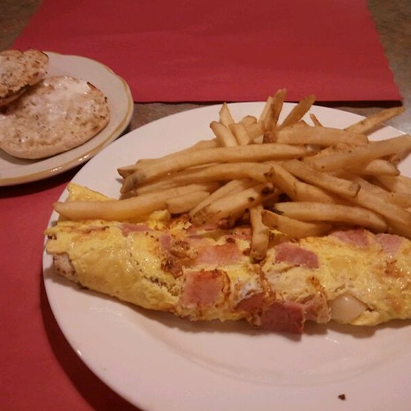 Ham And Cheese Omlet  @ Broadway Diner