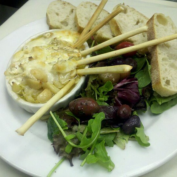 Garlic And Goat Cheese Appetizer With Olive Salad And Grissini @ 88 Wharf Riverfront Grill