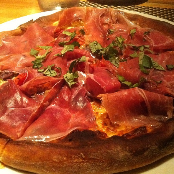 Proscuitto Pizza @ Wolfgang Puck Bar & Grill