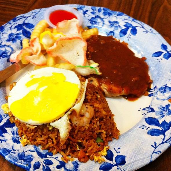 Nasi Goreng Chicken Chop @ Restoran Murni Discovery (USJ)