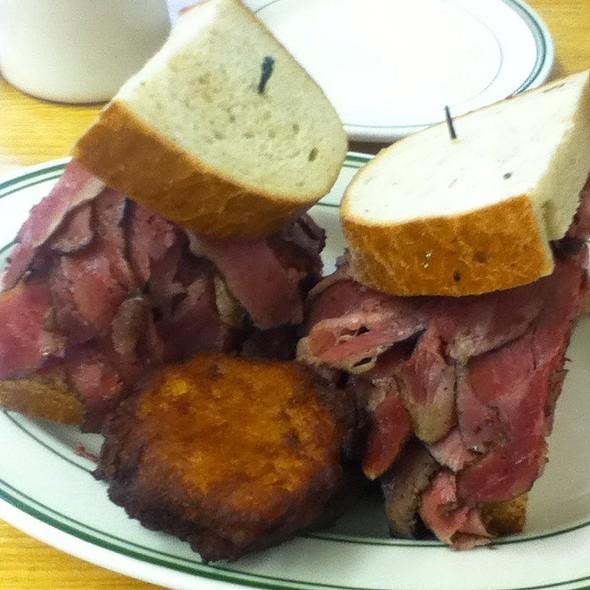 Pastrami Sandwich @ Famous 4th Street Delicatessen