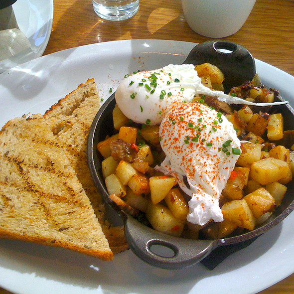Eggs and Corned Beef Hash @ Graze