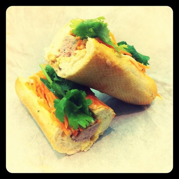 Vietnamese Meatball Sandwich (Banh Mi Xiu Mai) @ Bun Mi Express