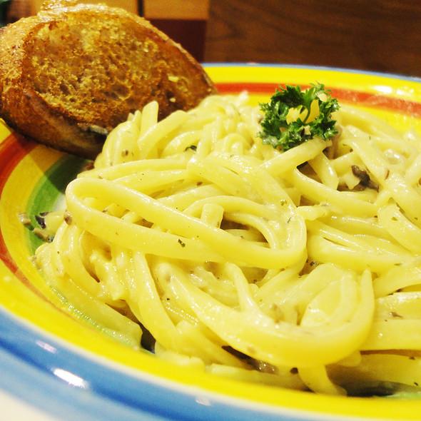 Mary Grace Mushroom Cream Pasta