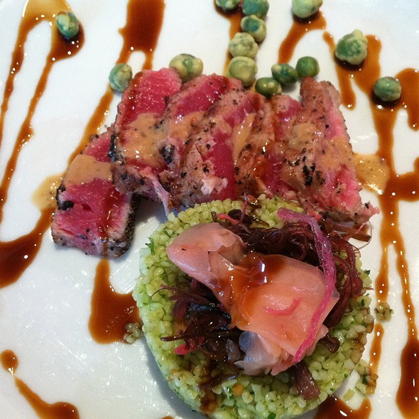 Peppered Seared Ahi Tuna @ The Twisted Fork