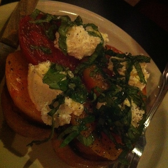 Heirloom Tomato Salad @ Broken Record