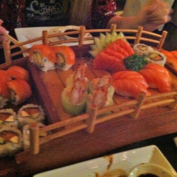 Sushi @ Hikaru Resto and Sushi Store