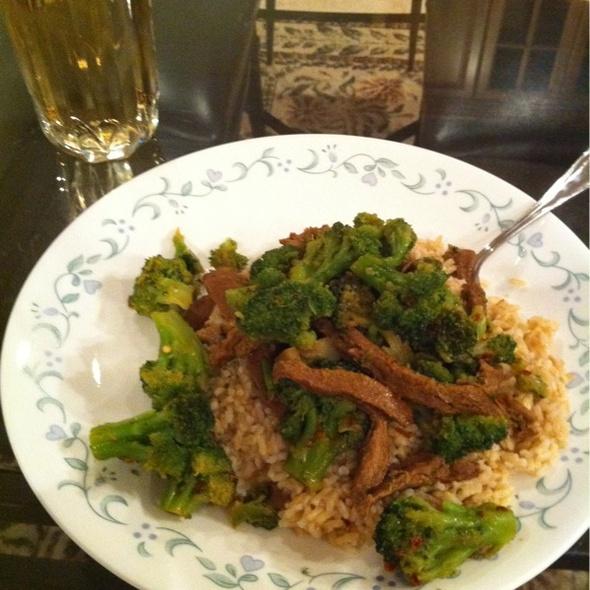 Vegan Beef & Broccoli @ Che Tara