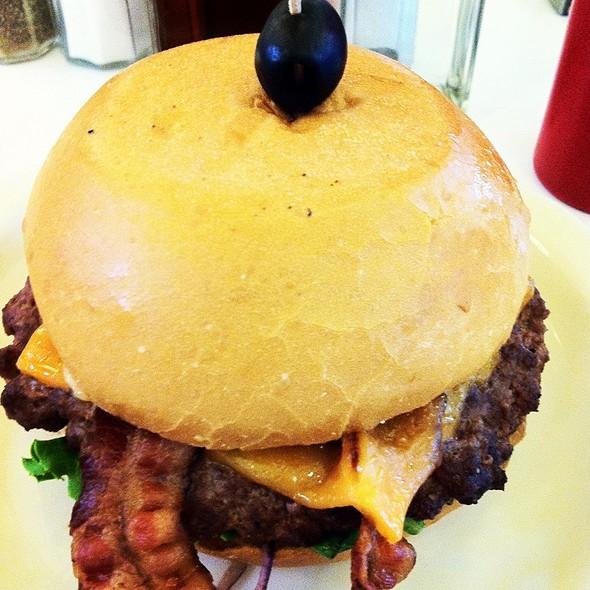 Cheeseburger @ Moderne Burger