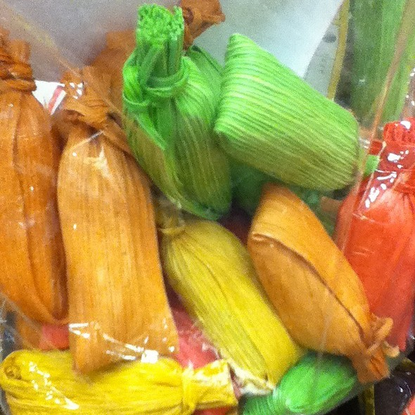 Sour Tamarind Candy Tamales / Dulces De Tamarindo @ Fabricas De Francia