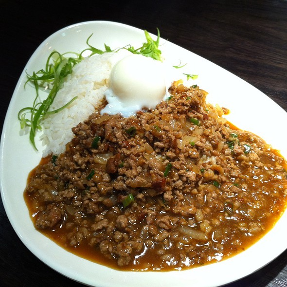 Minced Beef And Spa Egg With Rice