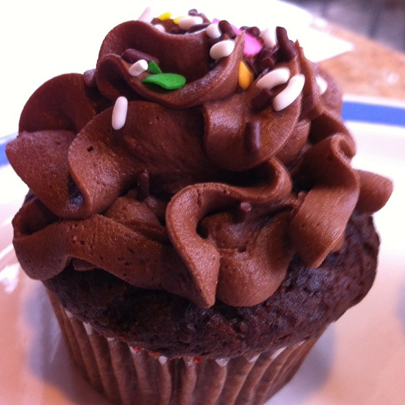 Double Dutch Chocolate Cupcake @ Common Ground Coffee & Cupcakes