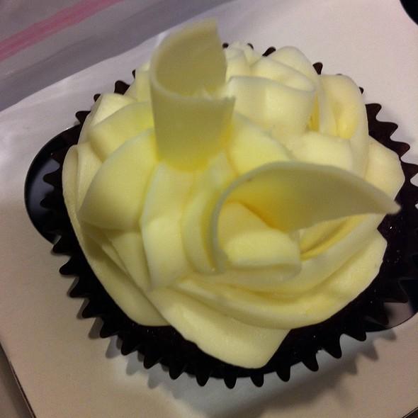 Red Velvet Cupcake @ Bite Me Cupcakes