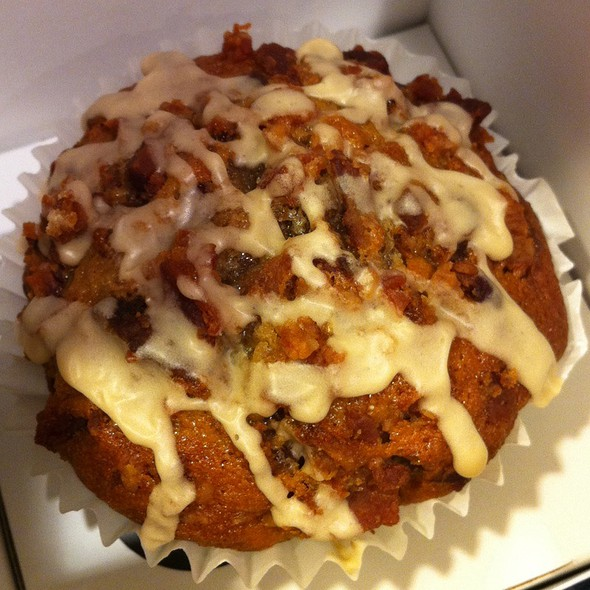 Maple Bacon Muffin @ Bite Me Cupcakes