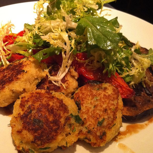Quinoa Cakes @ Grace Kitchen