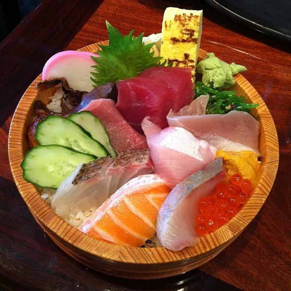 Special Chirashi @ Sushi Tomi Restaurant