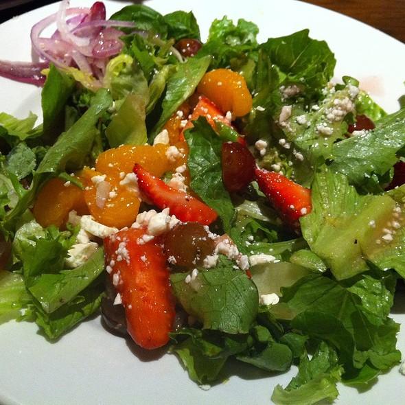 Strawberry Pecan Salad @ LongHorn Steakhouse
