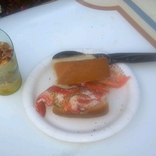 lobster roll @ Epcot Hops & Barley