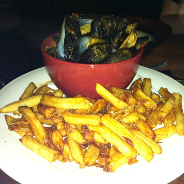 Moules et Frites - Peasant Cookery, Winnipeg, MB
