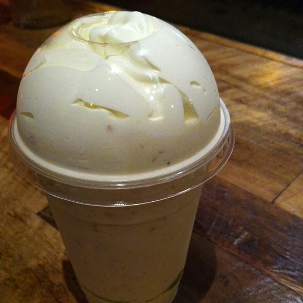 Pie Shake (Lemon Buttermilk with Lemon Cookie Ice Cream)