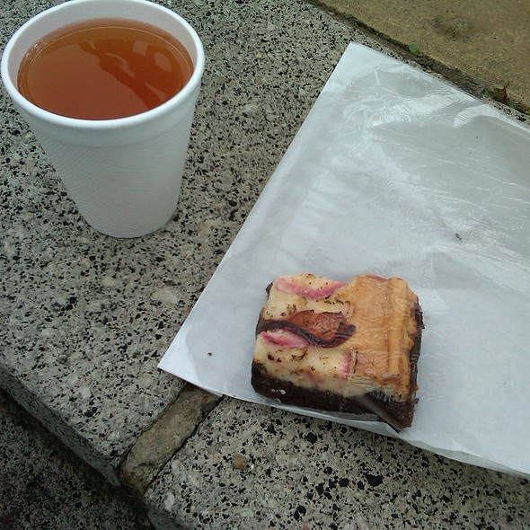 Plum Cheesecake Brownie and Mulled Hot Cider @ Southbank Centre