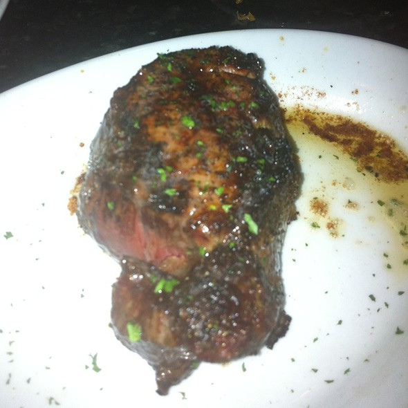 Petite Filet Mignon @ Ruth's Chris Steak House (Centennial Park)