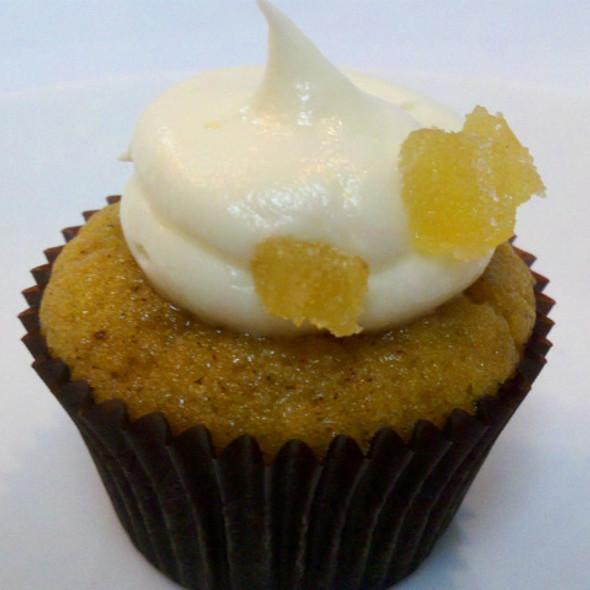 Pumpkin Mini Cupcake @ Celebrity Cupcakes