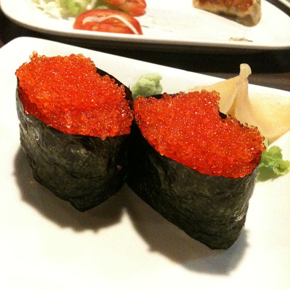 Image gallery tobiko sushi for Sushi fish eggs