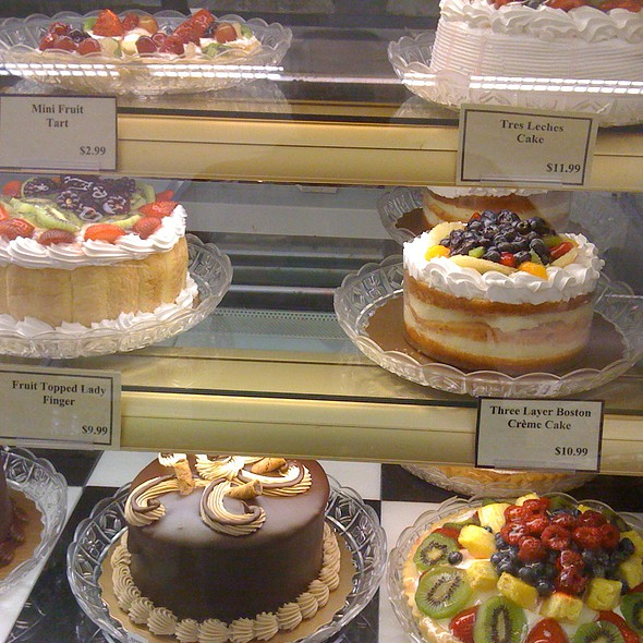 Whole Cakes Assortment @ Giant Bakery