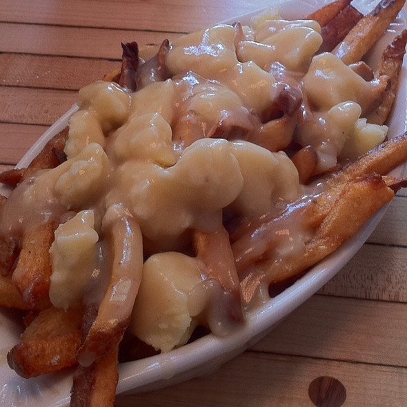 Poutine @ Mile End Delicatessen