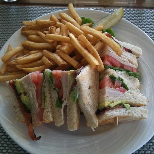 turkey club - Escena Lounge & Grill, Palm Springs, CA