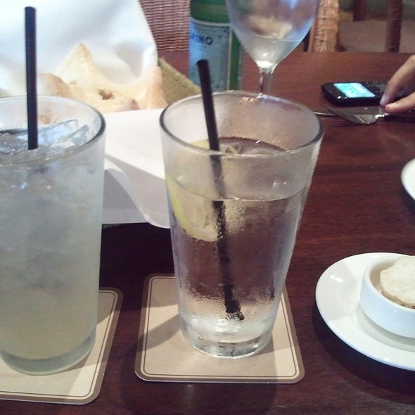 Mint Lemonade - Tommy Bahama Restaurant & Bar - Naples, Naples, FL