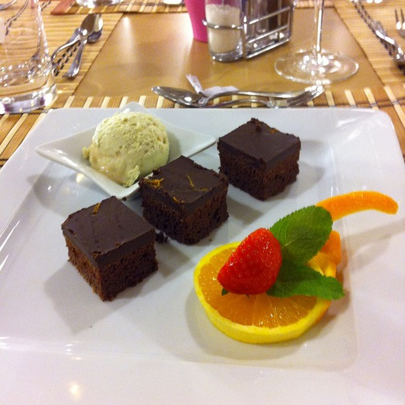 Orange Brownie With Avacado Banana Ice Cream