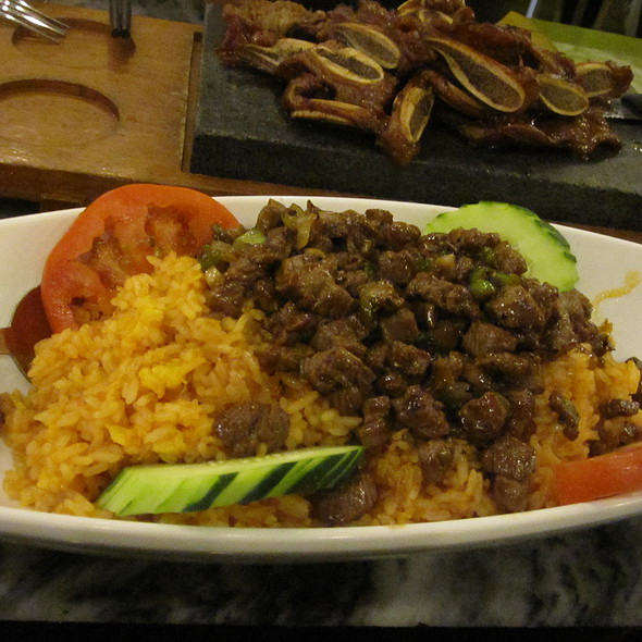 beef cubes over rice @ Joy Yee Noodle