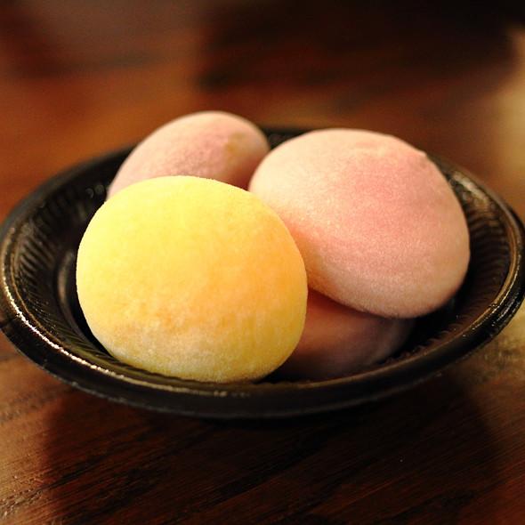 Mochi Ice Cream @ Bubbies Homemade Ice Cream