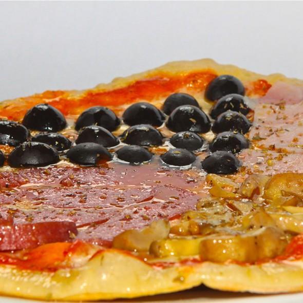 Pizza quattro stagioni @ Cafe Del Sol - Italian and Thai Restaurant