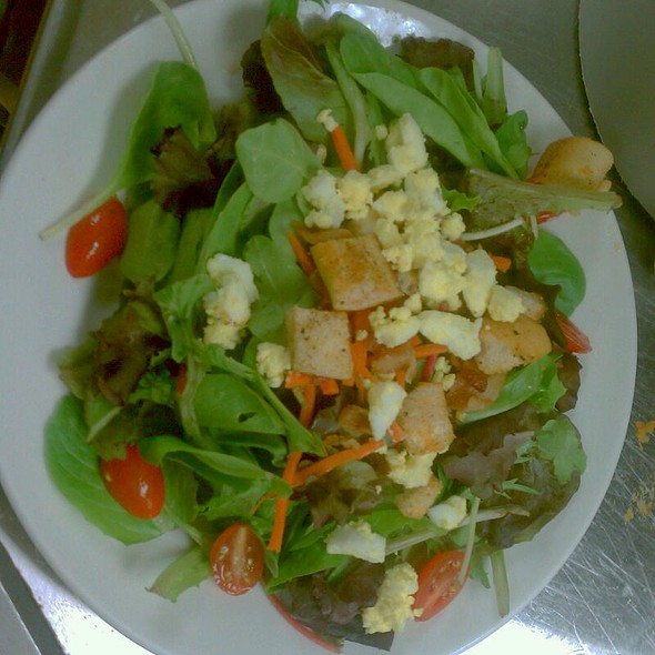 Small Traditional Salad With White Balsalmic @ Timber Wood-Fired Grill