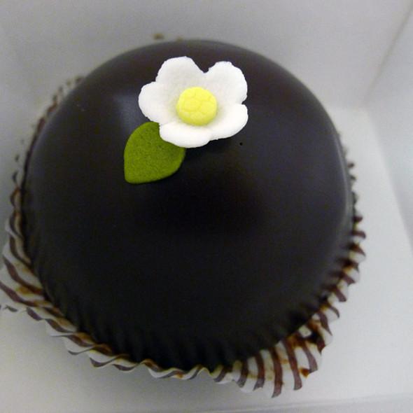 mini scharffen berger cake @ Miette Confiserie & Patisserie