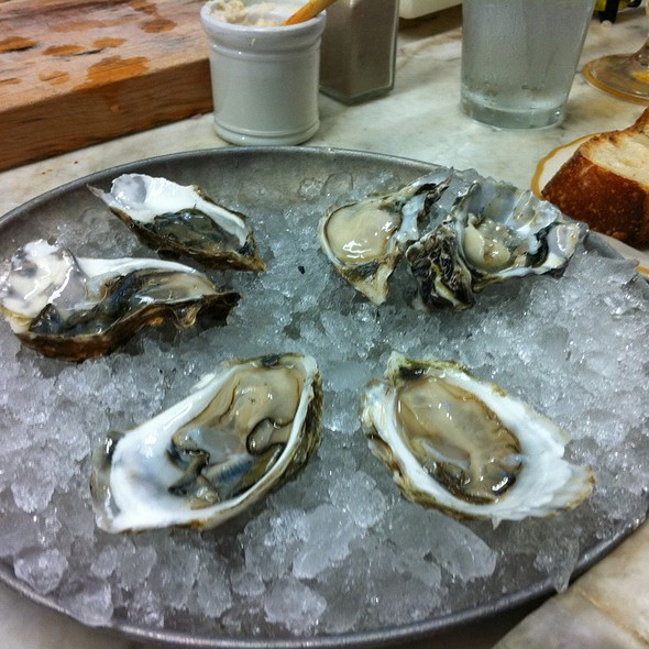 Oysters @ Swan Oyster Depot