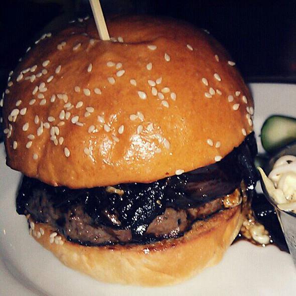 Maytag Bleu Cheeseburger @ Blt Burger