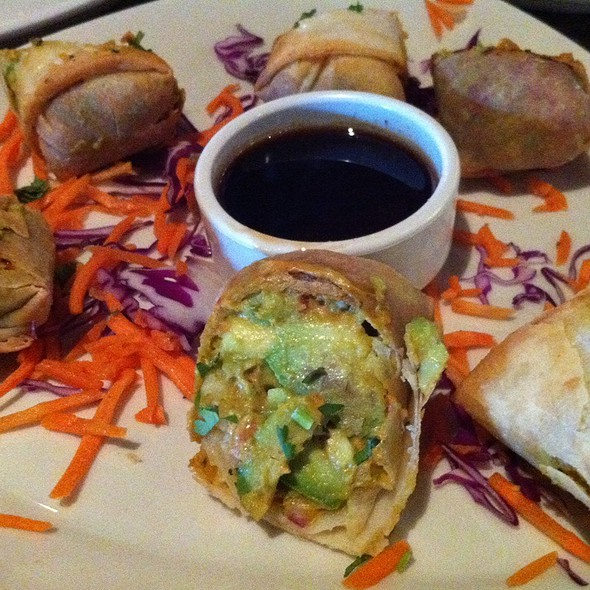 avocado egg rolls @ Bj's Restaurant & Brewhouse