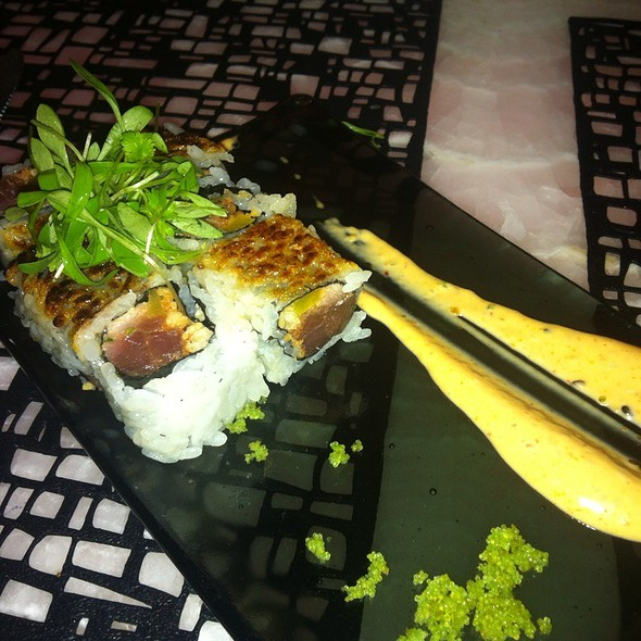 Crackle Pop Roll - HaVen Gastro-Lounge, Miami Beach, FL