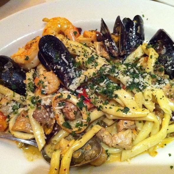 Pasta Paella @ Birk's