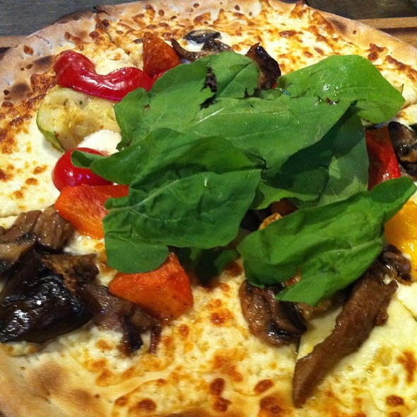 Very Full Pizza @ Limonata City's