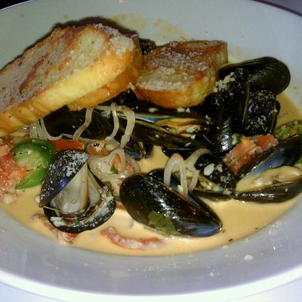 Mussels in White Wine Sauce - J. Liu Restaurant & Bar of Dublin, Dublin, OH
