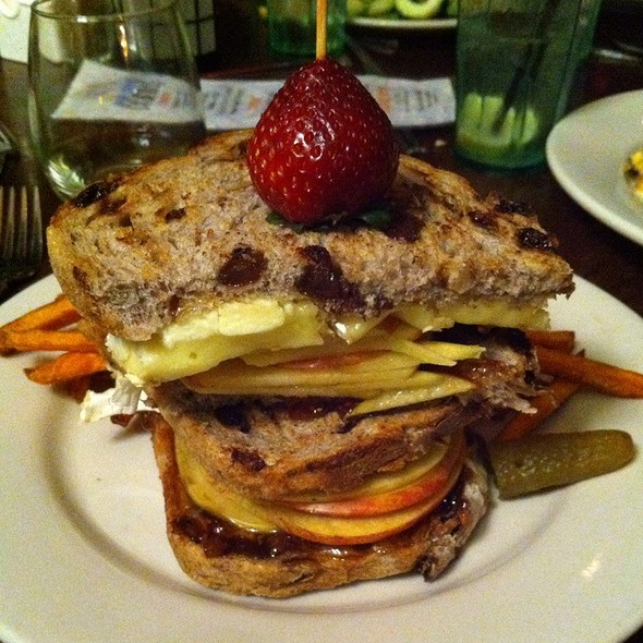 Sweet Fuji Apple & Gorgonzola Sandwich @ Busboys & Poets