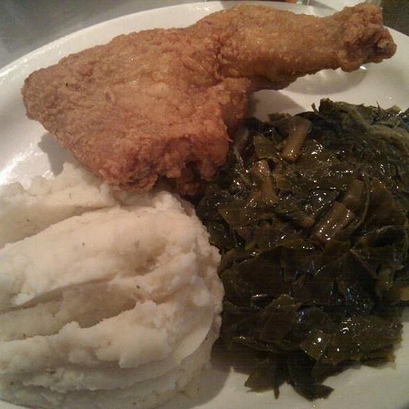 fried chicken @ Sylvia's Restaurant of Harlem