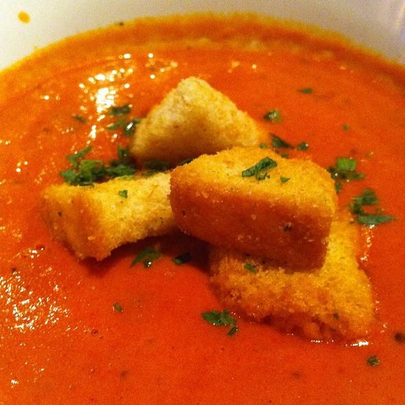 Tomato Soup @ Lazy Dog Cafe